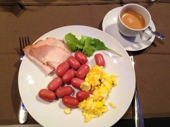Le Camp SPA & Resort: Breakfast