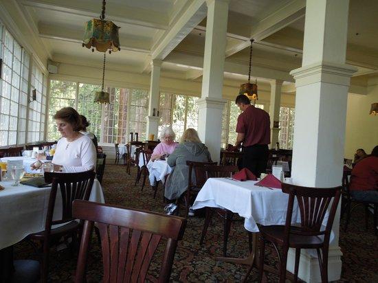 Big Trees Lodge: Dining Room Wawona