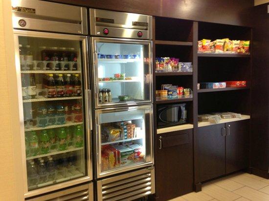 SpringHill Suites Houston Medical Center/NRG Park : Food for sale