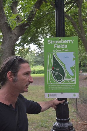 Real New York Tours: Jimmy taking us through Central Park
