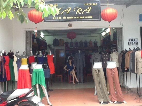 Lara tailor