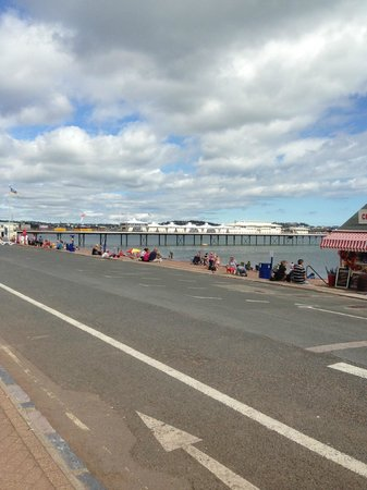 Torbay Court Hotel: Seafront in Paignton