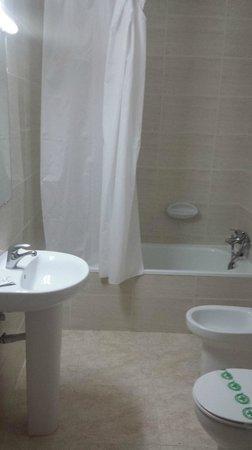 Apartments California: Bathroom