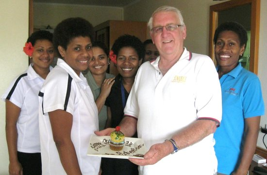 Tanoa Waterfront Hotel : Surprise birthday call from the girls