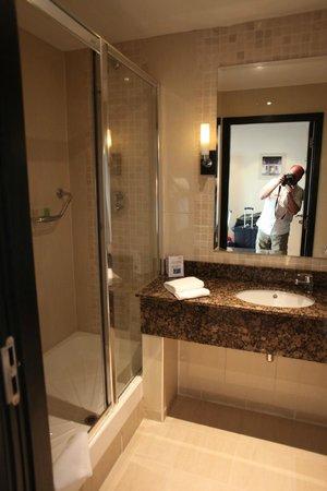 Carlton Hotel Dublin Airport: bathroom 2