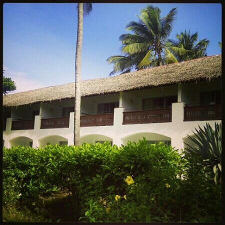 Leisure Lodge Beach and Golf Resort: The view of the rooms from outside