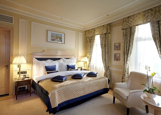 Hotel Baltschug Kempinski Moscow : New Rooms & Suites bedroom