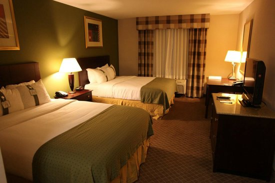 Holiday Inn Kansas City Airport: standard room
