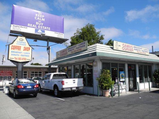 Camino Corner Restaurant: The Building