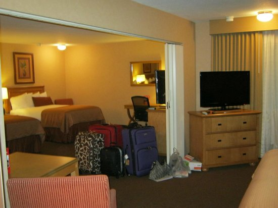 Best Western Plus Pavilions: Family Room