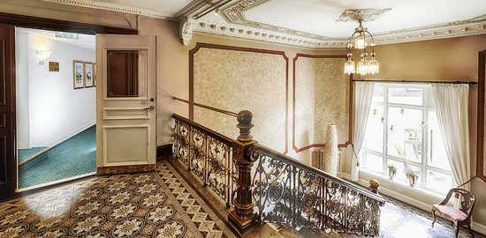 Hotel Royal Gothenburg: Wrought iron staircase