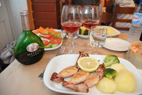Restaurante Faca & Garfo: calamari alla griglia