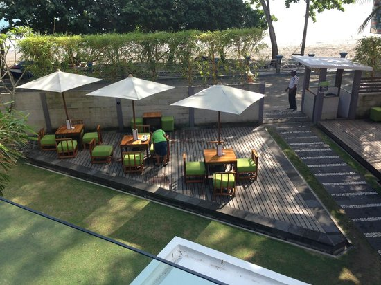 JavaCove Beach Hotel: Alfresko - Deck area