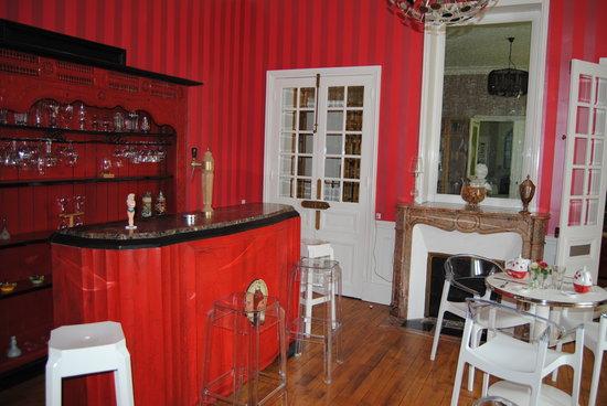 La Métairie: La salle petit déjeuner bar
