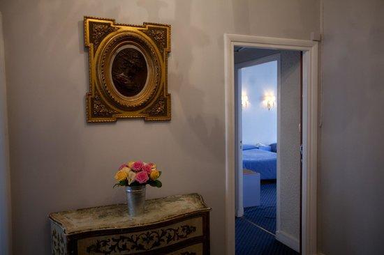 Avant de rentrer dans une chambre, vue de l'hôtel Royal Wilson