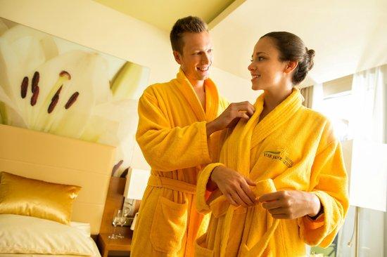 Thermenhotel Vier Jahreszeiten: Direkter Thermenzugang vom Hotel Vier Jahreszeiten