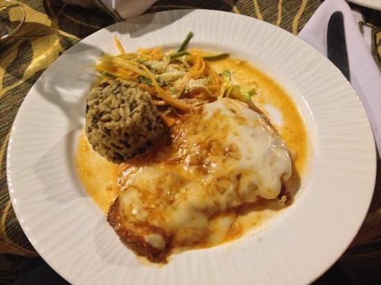 Jacks Bar & Grill: Caribbean Chicken with Mozarella Cheese