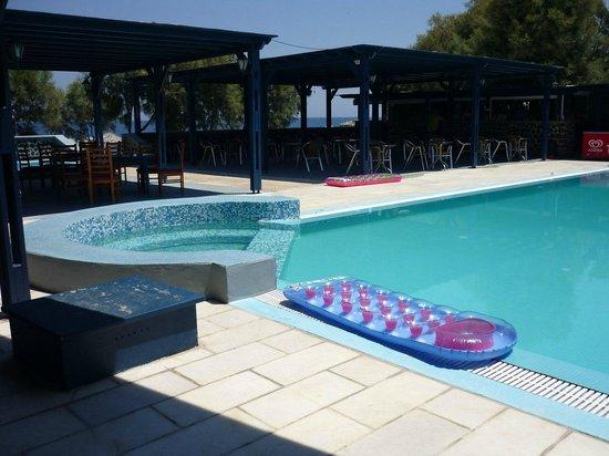 Okeanis Beach Hotel: Территория