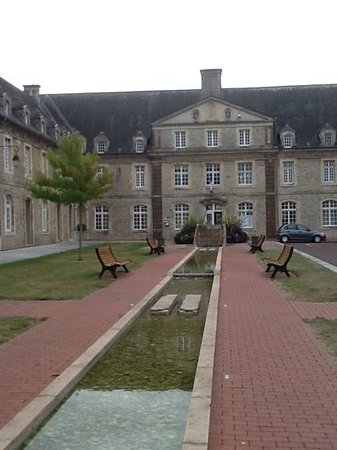 Domaine de l'Hostreiere: pretty Carentan