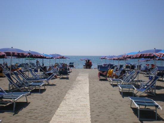 B&B Giardino Antico Avenza: La Spiaggia di Marina di Carrara