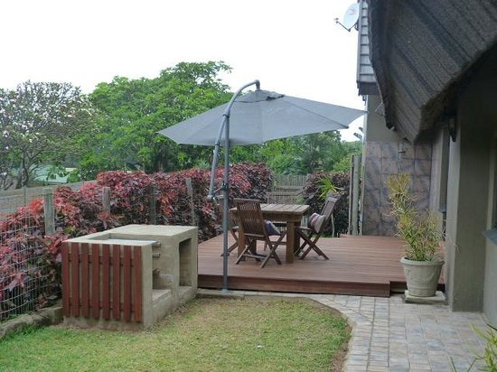 Palapa Place: David's Cottage Private Family garden Cottage,  Braai Area