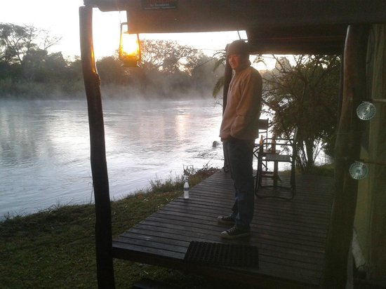 Sekoma Island Lodge : Room with a patio! On the river