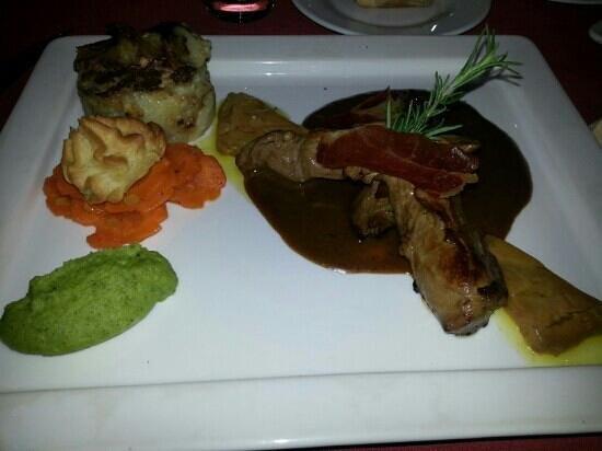 Restaurant L'Agora : Tournedo façon rosinny (Foie Gras)  un pur délice