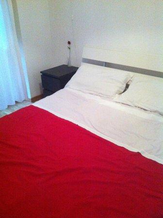 Roma Sunshine: Room