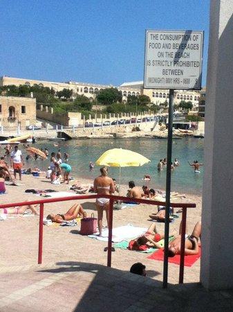 Piacere Mio Ristorante & Gelateria : Playa a 60 metros.
