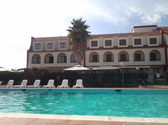 Hotel Relax: Piscina