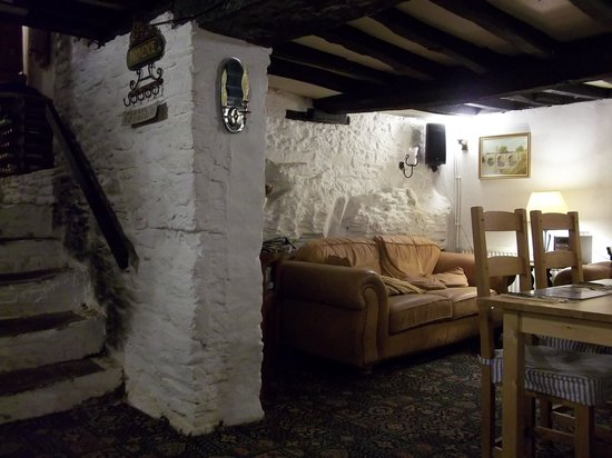 The Hunters Moon Inn: Lovely atmosphere of the pub