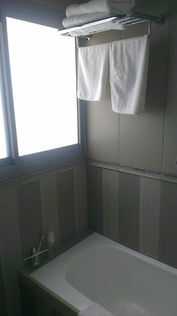 Amirey Hagalil Boutique Hotel: bathroom