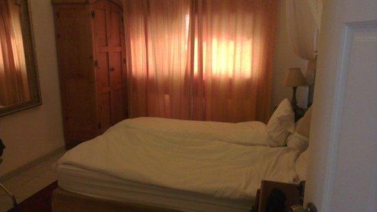 Amirey Hagalil Boutique Hotel: bed