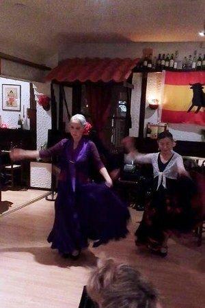 Flamenco Dancers at Picassos