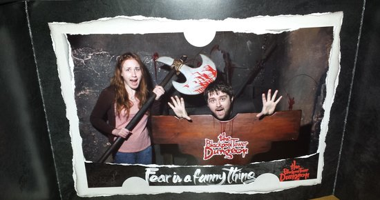 The Blackpool Tower Dungeon: cutting my boyfriends head off :P