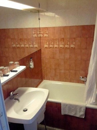 Star Hotel: salle de bain