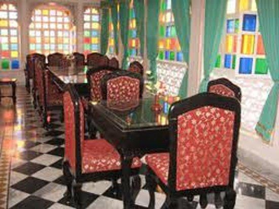 Shree Jagdish Mahal Heritage Hotel (Nagarseti Ri Haveli): restaurent