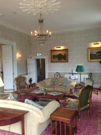 Bellingham Castle: Lounge