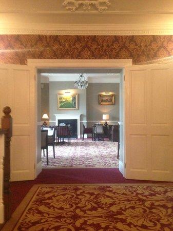 Bellingham Castle: Bar and lounge area