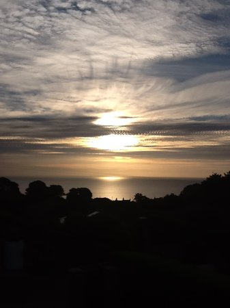 Sunswept Bed and Breakfast: Early autumn sunrise