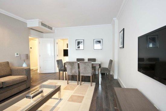 Ashburn Court Apartments: Dining