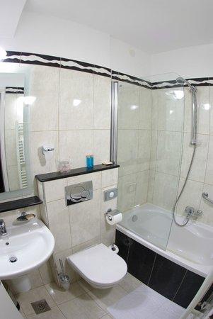 Hotel Minerva Medulin: bathroom