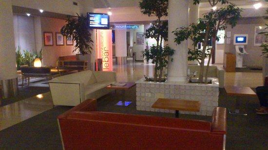 Novotel Firenze Nord Aeroporto: Lobby