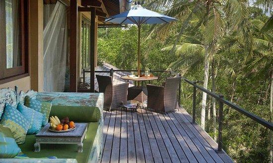 Pelangi Estate: Lounge and breakfast deck of Master Suite, villa Pelangi