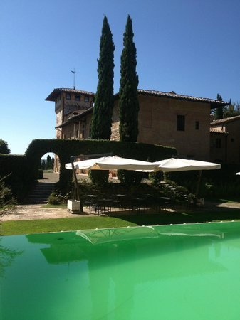 Hotel La Collegiata: Pool with bar in back