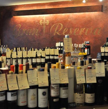 Gran Reserva: Rund 300 Weine und Spirituosen
