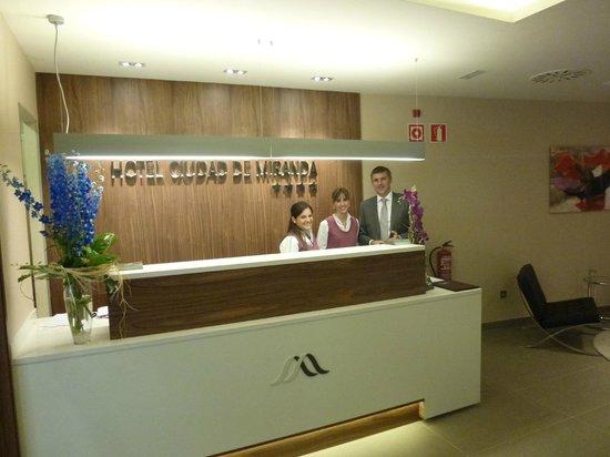Hotel Sercotel Ciudad de Miranda: RECEPCION