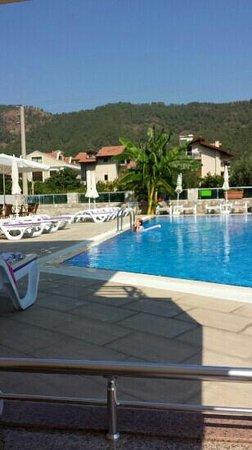 Murat Apart Hotel: pool