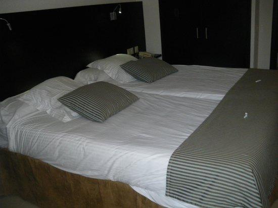 Prinsotel La Dorada: Habitacion