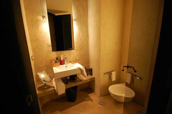 EME Catedral Hotel : Ванная комната
